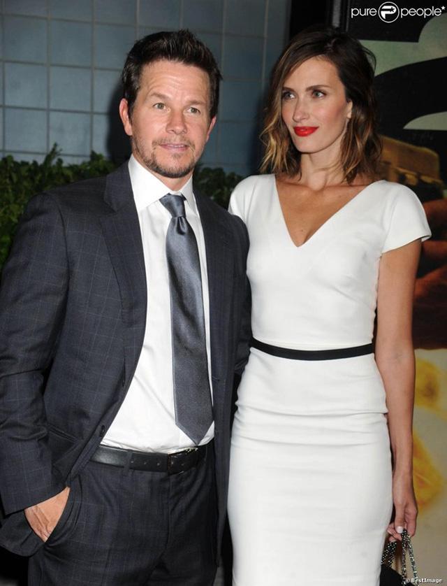 Ngôi sao Transformers 4 Mark Wahlberg kết hôn với siêu mẫu Rhea Durham vào năm 2009 sau 8 năm chung sống. Cặp đôi có với nhau 4 người con. Sau khi kết hôn, Rhea Durham giã từ sự nghiệp người mẫu để chăm sóc chồng con.