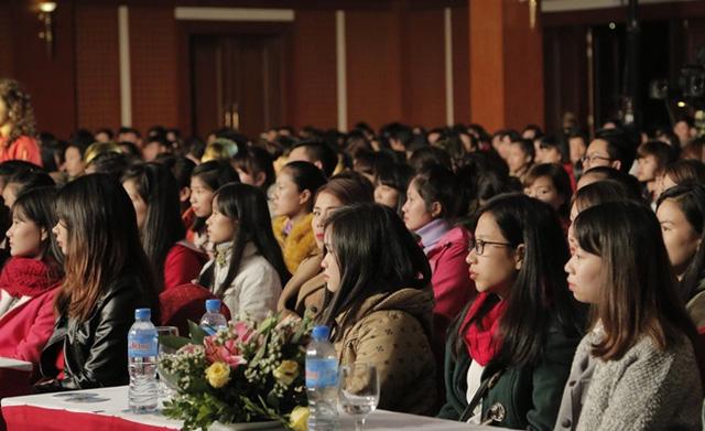 Rất đông khán giả trẻ tham dự buổi giao lưu