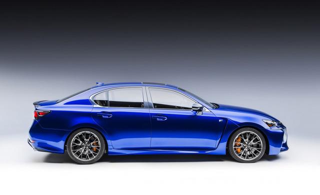 Mẫu xe có chiều dài 4.915 mm, rộng 1.845 mm và 1.440 mm