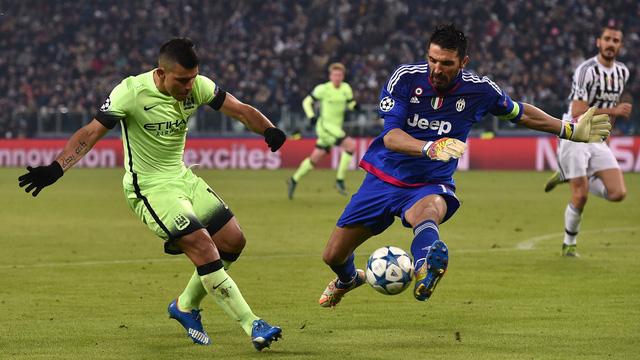 Aguero không thể chiến thắng được Buffon ở thế đối mặt