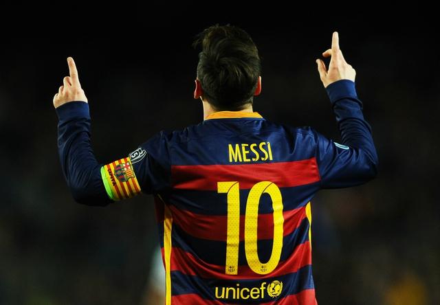 Aguero không tin nhưng mong Lionel Messi sẽ tới đầu quân cho Man City.