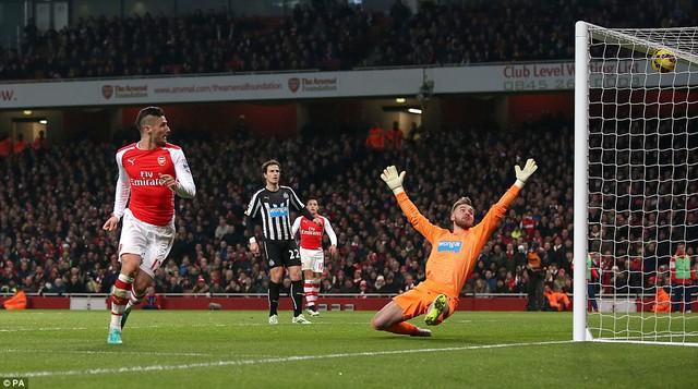 Arsenal đã đánh bại 4-1 Newcastle United  tại trận lượt đi