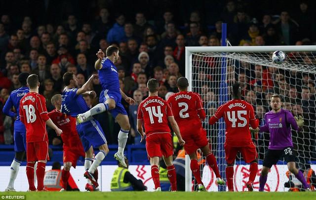 Branislav Ivanovic ghi bàn thắng duy nhất cho Chelsea ở phút 94