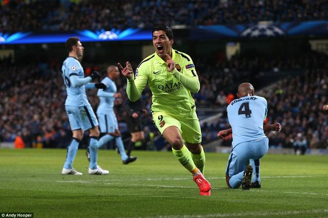 Luis Suarez xứng đáng là cầu thủ xuất sắc nhất trận đấu với một cú đúp