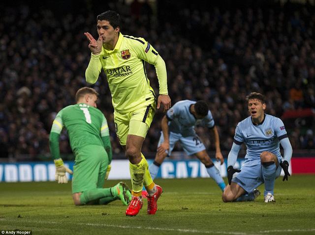 Luis Suarez tỏa sáng rực rỡ với một cú đúp