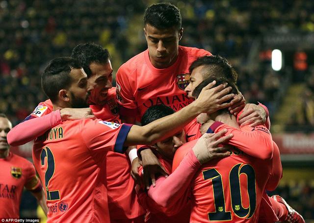 Barcelona giành chiến thắng chung cuộc trước Villarreal với tổng tỷ số 6-2