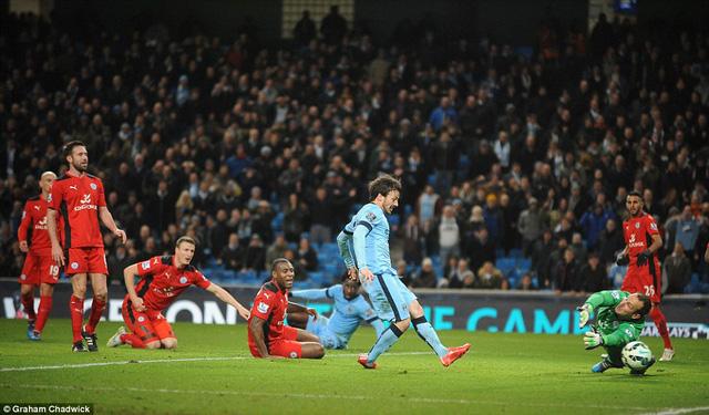 David Silva mở tỷ số cho Man City ở phút 45