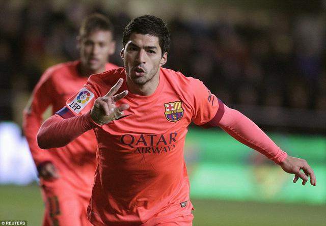 Luis Suarez cũng đóng góp 1 bàn thắng cho Barcelona