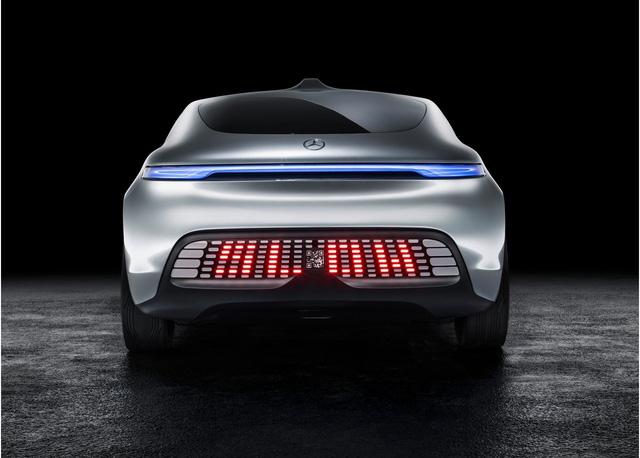 Hệ thống đèn hậu LED báo hiệu xe giảm tốc độ