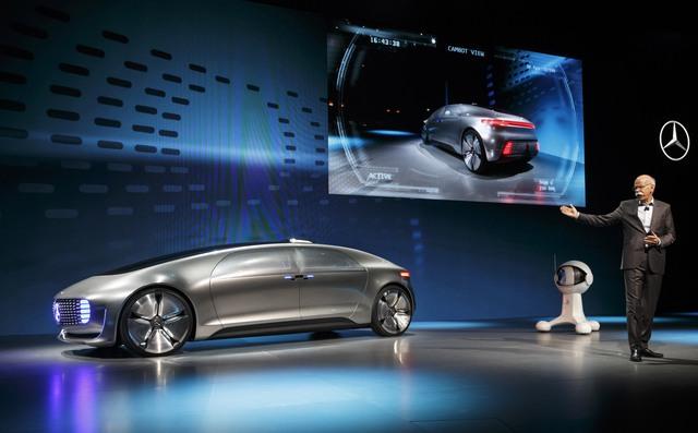 Mercedes-Benz đã giới thiệu chiếc F 015 tự lái tại CES 2015