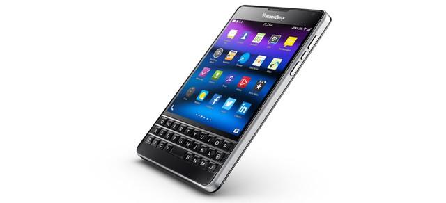 Phiên bản BlackBerry Passport với 4 góc  bo tròn dành riêng cho nhà mạng AT&T phát hành