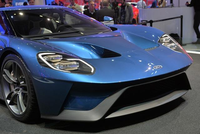 Mẫu xe GT mới được thiết kế 2 hốc gió trên nắp ca-pô trước giống như dòng xe GT40