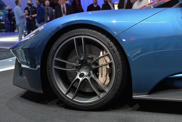 Mâm xe có đường kính 20 inch với lốp được Pilot thiết kế riêng