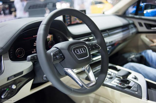 Tay lái nổi bật với logo của Audi (Nguồn: Xe.Tinhte.vn)