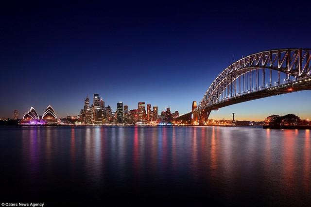 Cầu cảng Sydney trông hoàn toàn mới trong ánh sáng ban đêm