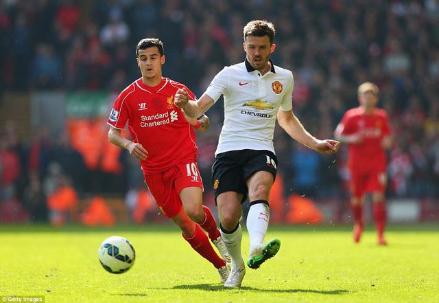 Tuyến giữa của Man Utd hoàn toàn nắm thế chủ động ở những phút đầu tiên trong Liverpool thi đấu khá bế tắc trên sân nhà.