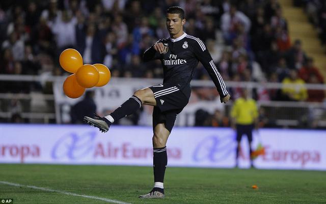 Cris Ronaldo đã có bàn thắng thứ 300 trong màu áo Real Madird