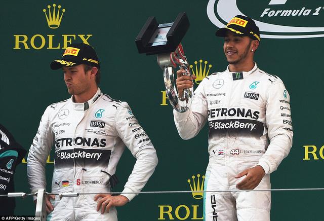 Lewis Hamilton lần thứ 2 vô địch sau 3 chặng đua