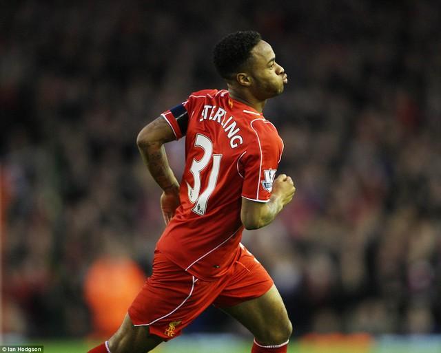 Raheem Sterling mở tỷ số cho Liverpool sau một pha solo khá đẹp mắt