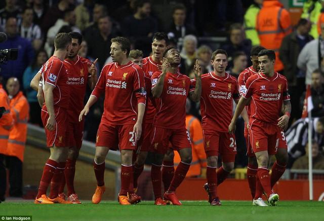 Liverpool đã rút ngắn khoảng cách với đội xếp thứ 4 Man City xuống còn 4 điểm