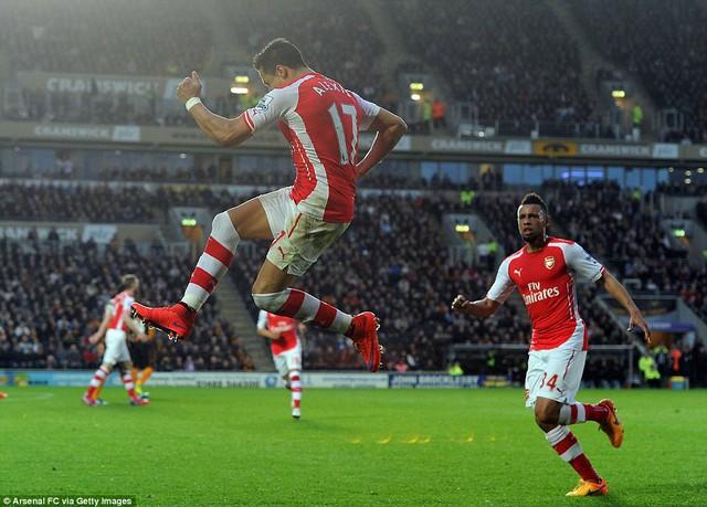 Alexis Sanchez tỏa sáng với một cú đúp cho Arsenal