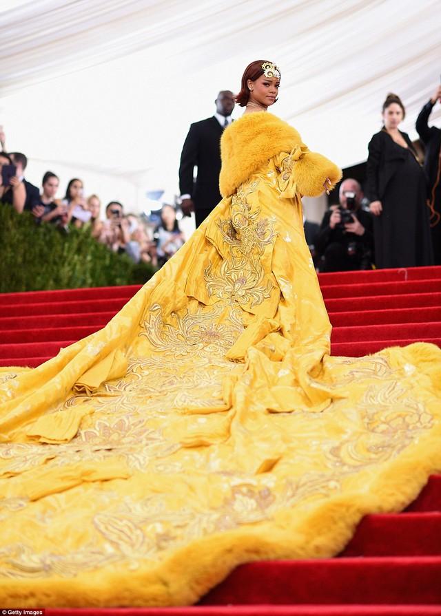Có thể nói, đây là một trong những bộ cánh thảm đỏ ấn tượng nhất trong tủ đồ của nữ ca sĩ xinh đẹp
