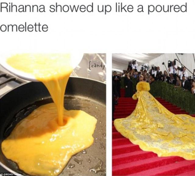 Một người khác hài hước hơn khi so sánh phần thân váy đồ sộ của Rihanna với món trứng rán