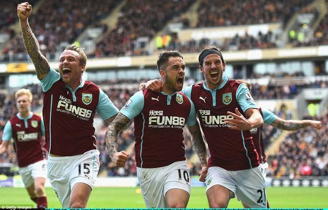 Niềm vui từ chiến thắng trước Hull City khó có thể khỏa lấp nỗi buồn xuống hạng của Burnley.