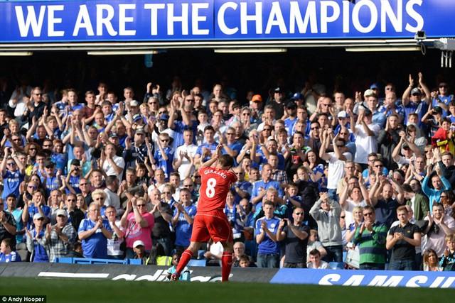 Trong suốt thời kỳ đỉnh cao của mình, Gerrard từng nhiều lần từ chối lời mời của Chelsea.