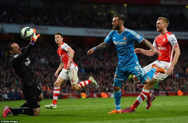 Hòa Sunderland, Arsenal gần như chắc chắn đoạt vị trí thứ 3