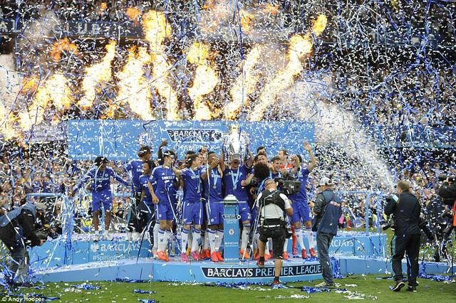 Chelsea đã khép lại một mùa giải đáng nhớ với chiến thắng 3-1 tại Stamford Bridge. Ngay sau đó là màn ăn mừng hoành tráng.
