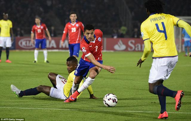 Tiền đạo Alexis Sánchez trong màu áo đội tuyển Chile