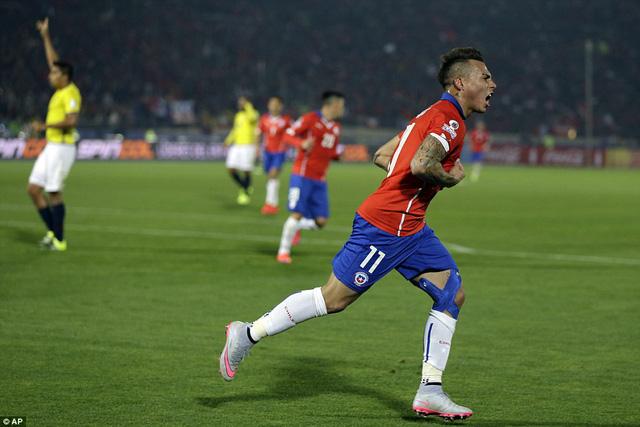 Eduardo Vargas ấn định chiến thắng 2-0 cho Chile