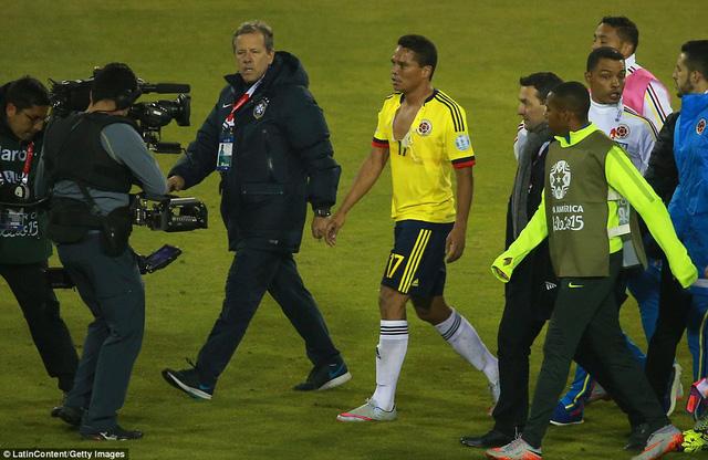 Carlos Bacca, cầu thủ đã va chạm với Neymar tại Copa America 2015 cũng đang trong tầm ngắm của Liverpool