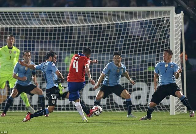 Bàn thắng duy nhất của Mauricio Isla mang về thắng lợi tối thiểu cho Chile