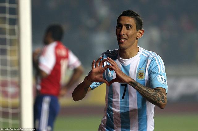 Di Maria lập một cú đúp trong chiến thắng 6-1 của Argentina