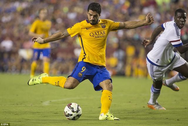 Luis Suarez cân bằng tỷ số ở phút 52