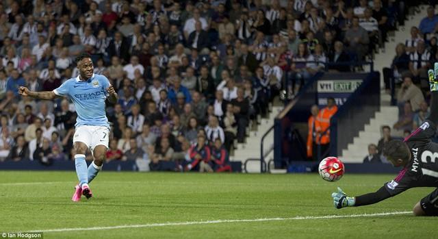 Raheem Sterling có màn ra mắt hoàn hảo trong màu áo Man City