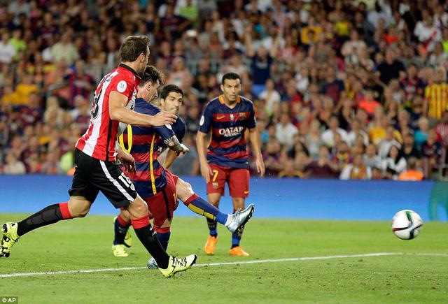 Messi mở tỷ số cho Barcelona ở phút 42