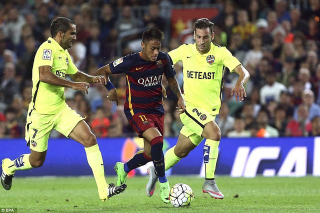 Neymar ghi dấu ấn với bàn thắng ở phút 56