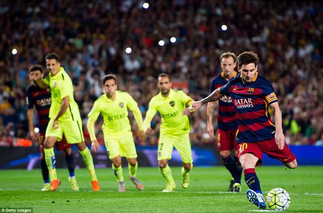 Đá phạt đền dường như đã trở thành nỗi ám ảnh của Lionel Messi