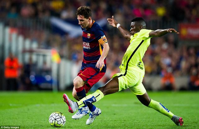 Messi đóng góp 2 bàn thắng và 1 đường kiến tạo thành bàn trong chiến thắng 4-1 của Barcelona