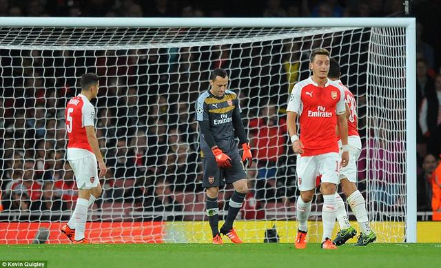 Một trận đấu đáng quên của hàng thủ Arsenal.