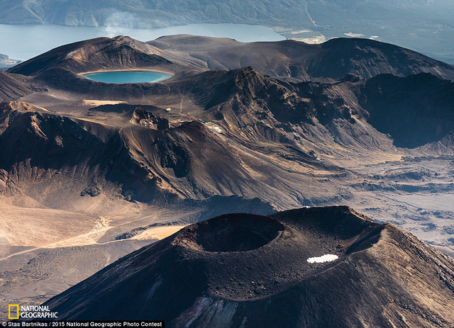 Bức ảnh Tongariro and blue lake của tác giả Stas Bartnikas.