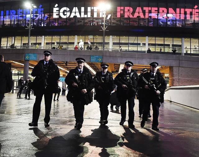 An ninh được thắt chặt trước trận giao hữu Anh-Pháp nhằm tránh những điều đáng tiếc xảy ra