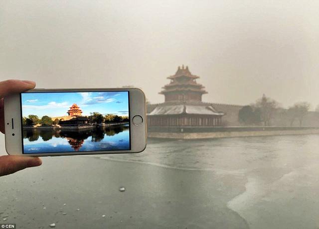 Tử Cấm Thành trước và sau thời điểm Bắc Kinh chịu ảnh hưởng nặng nề bởi ô nhiễm không khí