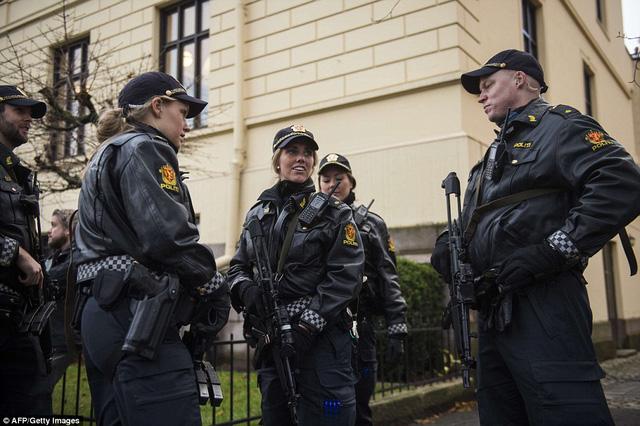 An ninh được thắt chặt tại khu vực diễn ra buổi lễ