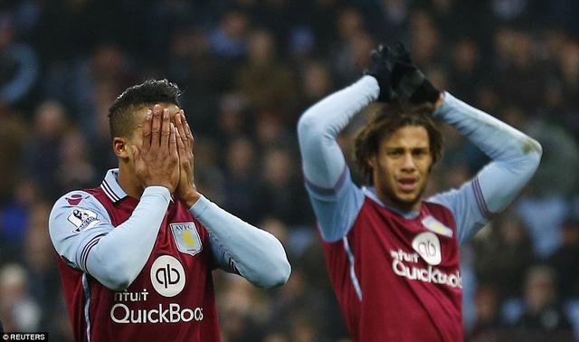 Điểm tựa sân nhà không giúp Aston Villa giành điểm ở trận này.