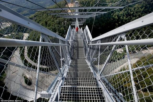 Cây cầu đáng sợ nhất thế giới