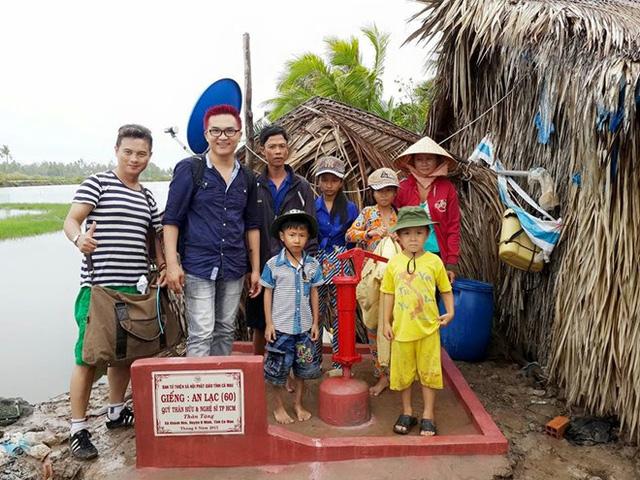 Đại Nghĩa trong chuyến đi xây giếng ở Cà Mau